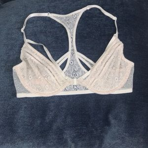 NWT Very Sexy Floral Lace Front Clip Bra